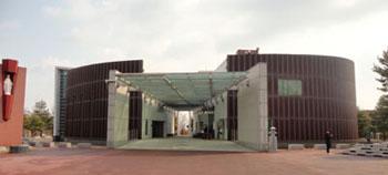 기념관과 성당-02.jpg